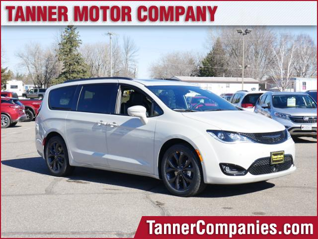 New 2019 CHRYSLER Pacifica Limited FWD
