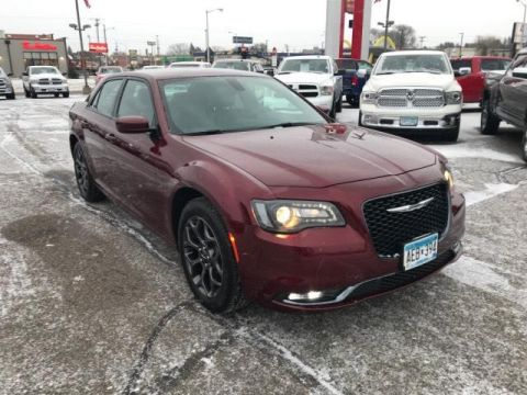 Pre-Owned 2018 Chrysler 300